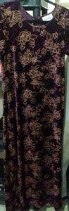 Size Lrg long maxi dress with velvet feel
